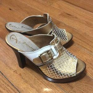NWOT Platform Sandal